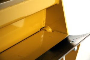 Standard Shank Box Blade Scraper With Lockable Floating Tailgate image3